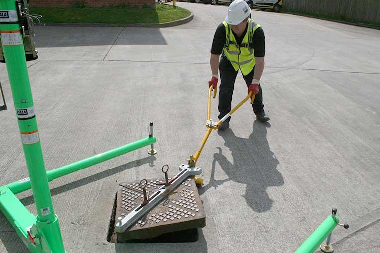 Manhole Lifters Amp Keys Ashfield Safety Hire