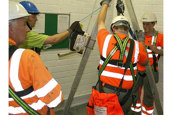Candidates entering a medium risk confined space